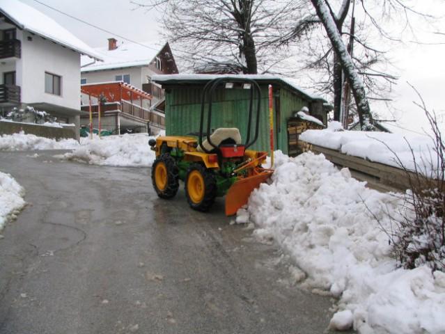 Komunalna oprema za traktore - Page 3 10753581