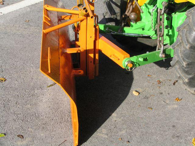 Komunalna oprema za traktore - Page 3 22076056
