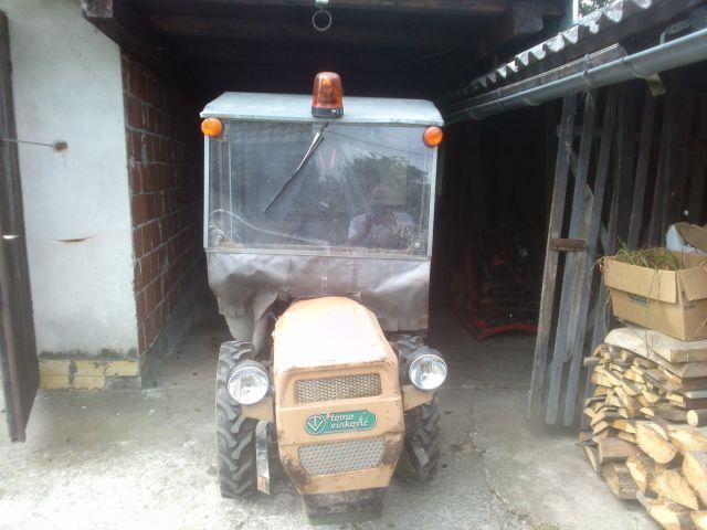 Kabina za traktor TV serije 400 ili 500 21833899