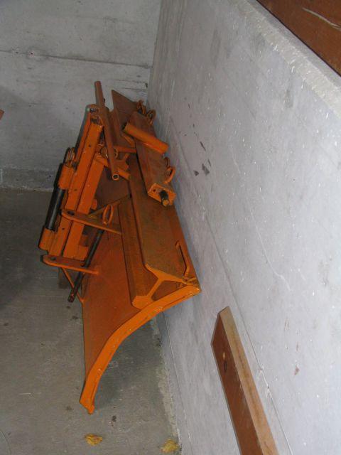 Komunalna oprema za traktore - Page 3 18455395