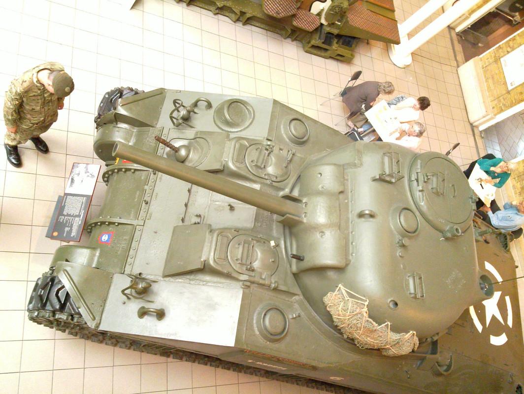 Slike: Imperial War Museum v Londonu (POZOR: VELIKE SLIKE) M4_A4_Sherman_V_tank_a