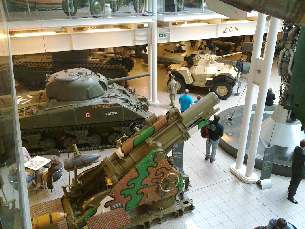 Slike: Imperial War Museum v Londonu (POZOR: VELIKE SLIKE) M4_A4_Sherman_V_tank_8