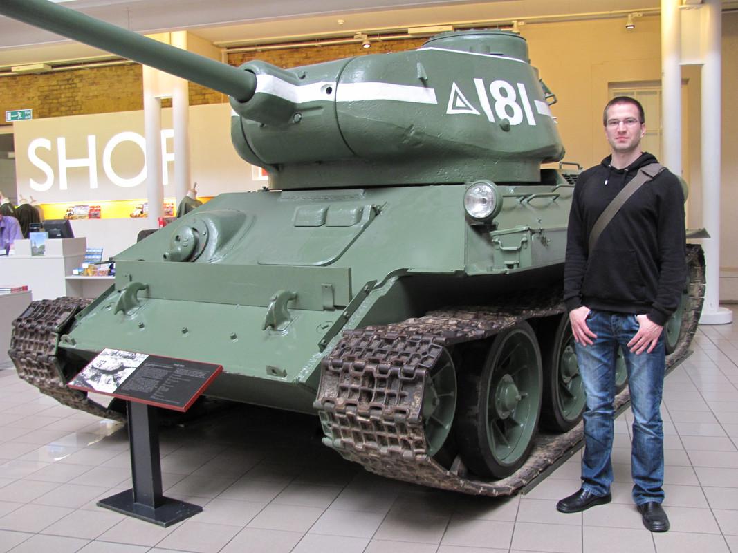 Slike: Imperial War Museum v Londonu (POZOR: VELIKE SLIKE) T_34_85_tank_2