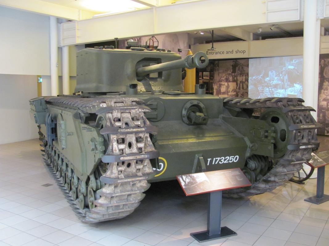 Slike: Imperial War Museum v Londonu (POZOR: VELIKE SLIKE) Churchill_Mark_VII_infantry_tank_1