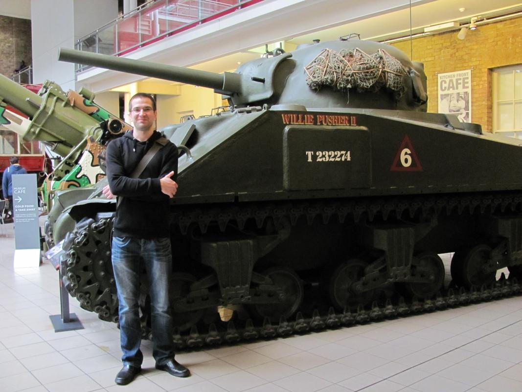 Slike: Imperial War Museum v Londonu (POZOR: VELIKE SLIKE) M4_A4_Sherman_V_tank_4