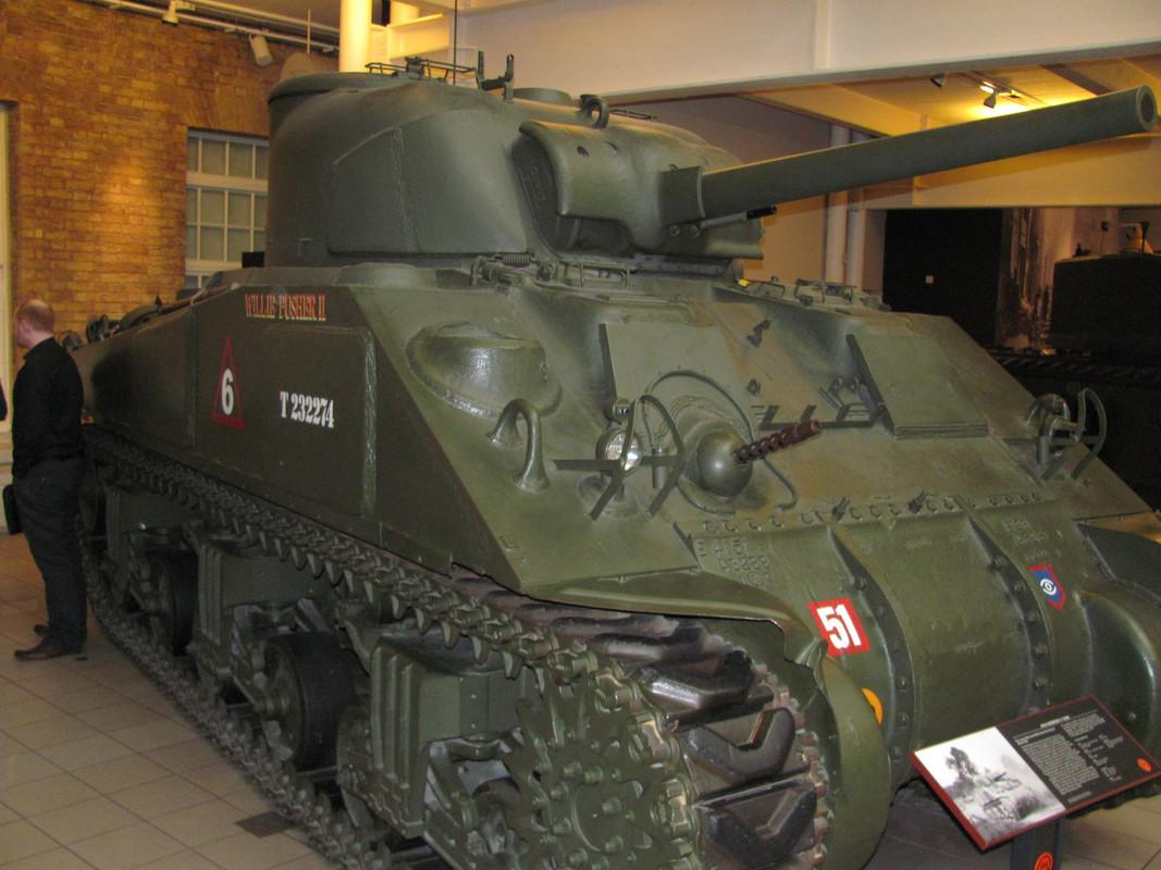 Slike: Imperial War Museum v Londonu (POZOR: VELIKE SLIKE) M4_A4_Sherman_V_tank_6