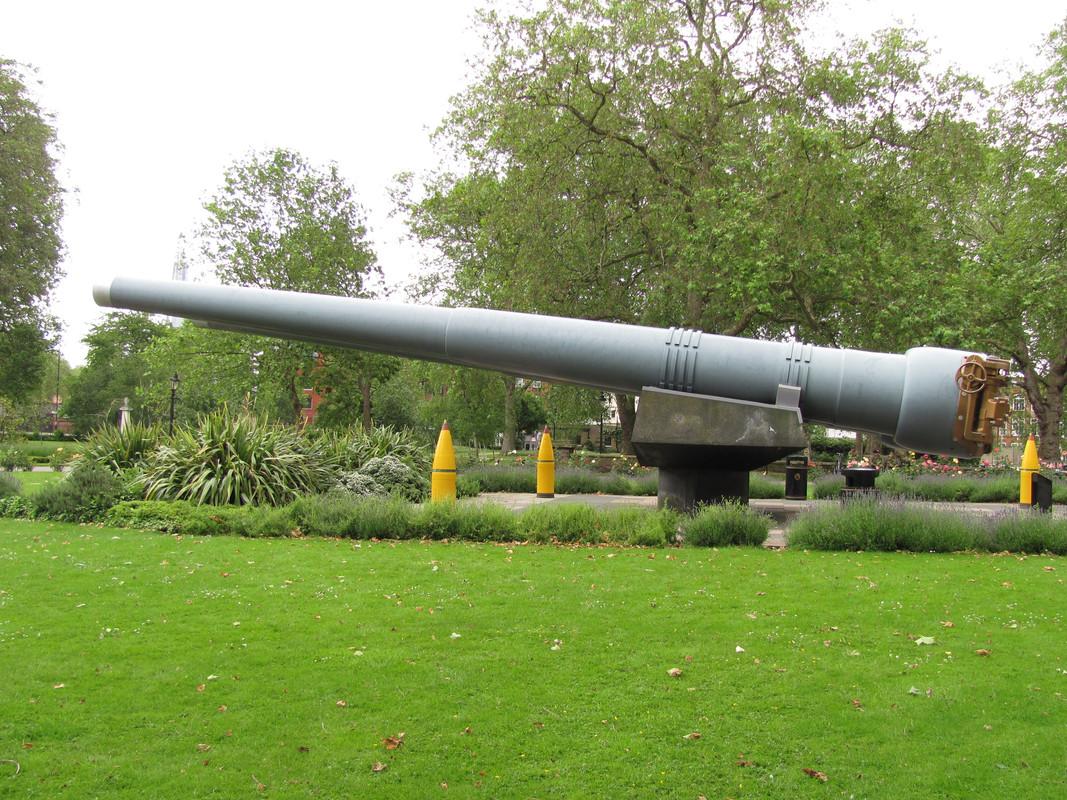 Slike: Imperial War Museum v Londonu (POZOR: VELIKE SLIKE) Velik_kaliber