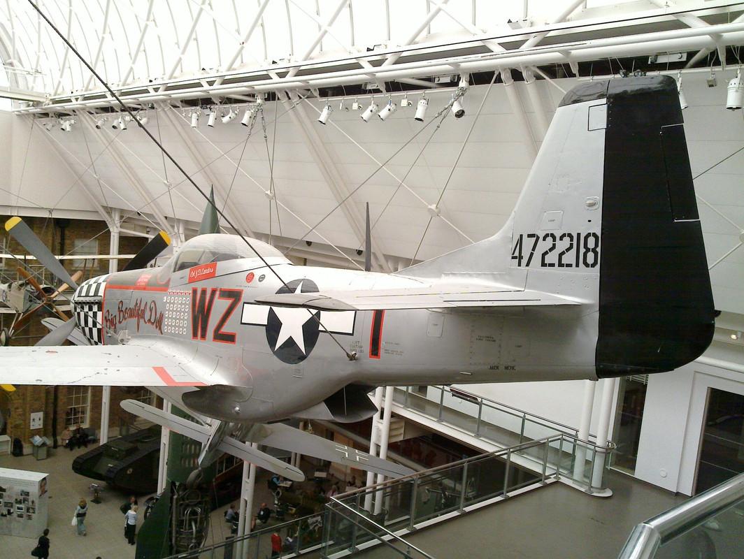 Slike: Imperial War Museum v Londonu (POZOR: VELIKE SLIKE) North_American_P51_D_Mustang_3