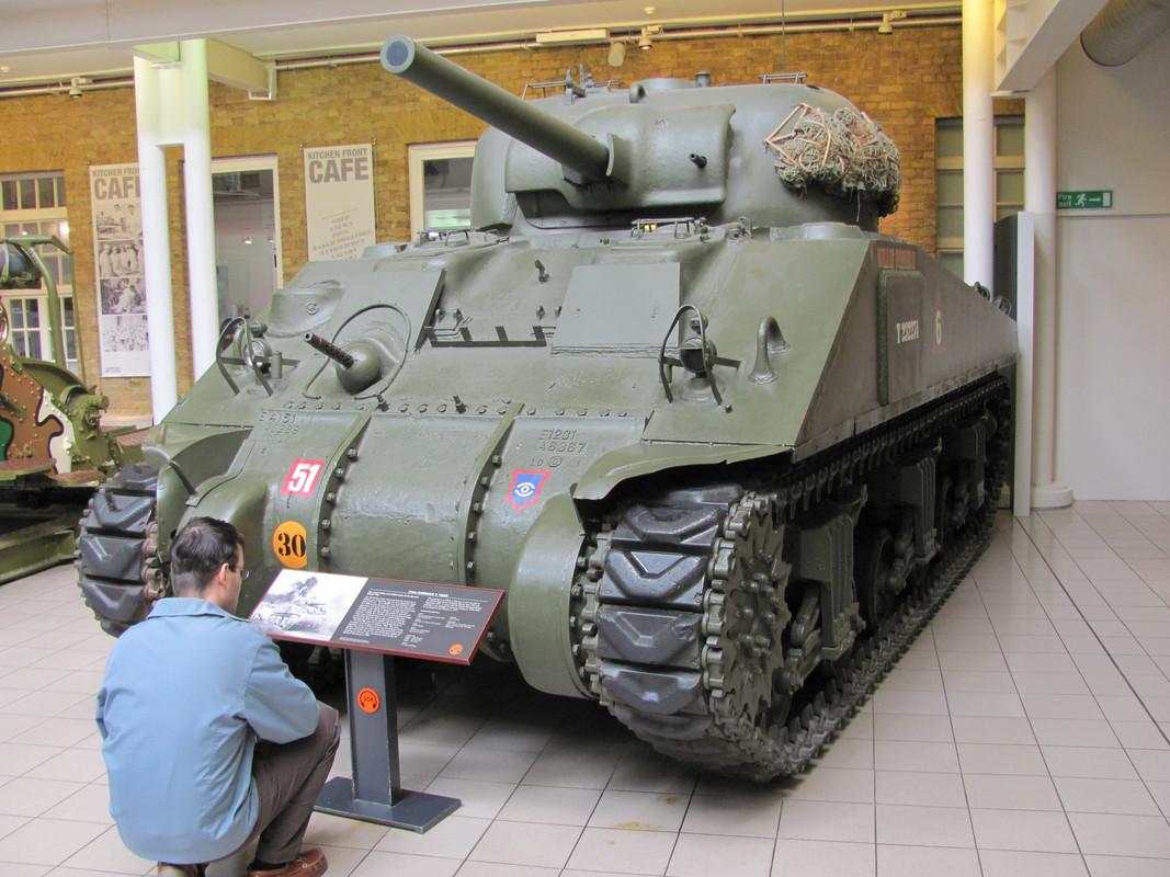 Slike: Imperial War Museum v Londonu (POZOR: VELIKE SLIKE) M4_A4_Sherman_V_tank_2