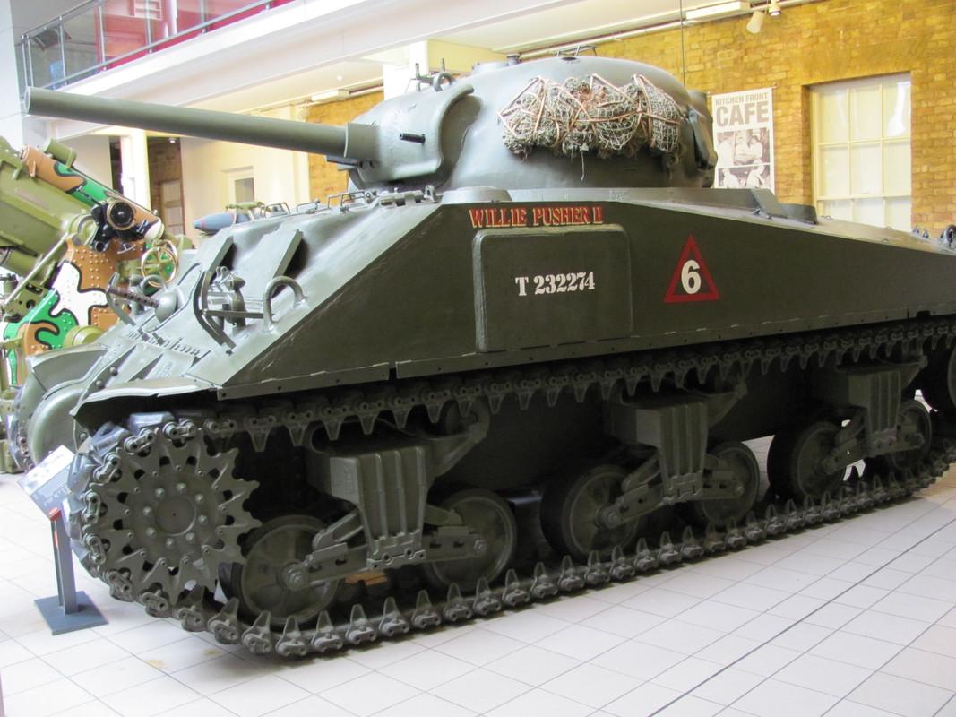 Slike: Imperial War Museum v Londonu (POZOR: VELIKE SLIKE) M4_A4_Sherman_V_tank_3