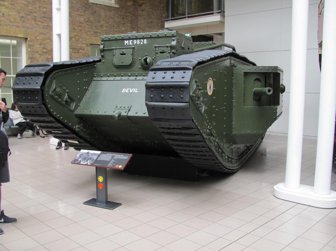 Slike: Imperial War Museum v Londonu (POZOR: VELIKE SLIKE) British_first_world_war_Mark_V_tank_1