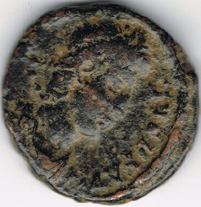 AE4 de Constancio II. FEL TEMP REPARATIO. Soldado romano alaceando a jinete caído.  IR51_A