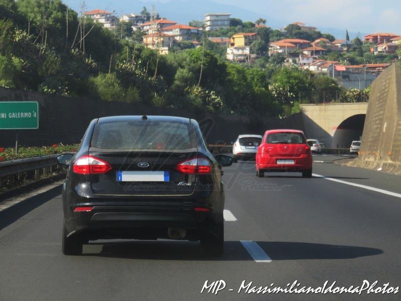Avvistamenti auto rare non ancora d'epoca - Pagina 39 Ford_Fiesta_Sedan_FF940_GW_3