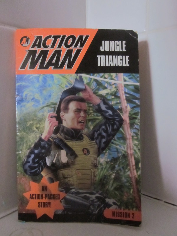 Action Man annuals and books - Page 4 IMG_5032