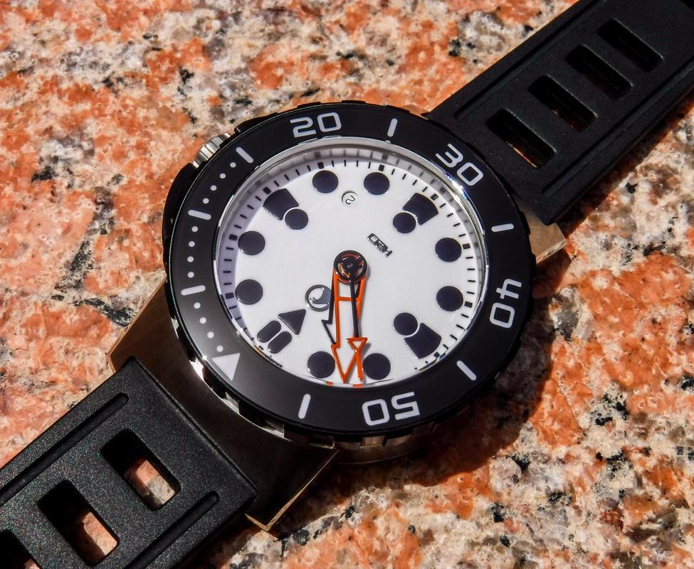 Votre montre du jour - Page 17 DSCF2553_1_1600x1200