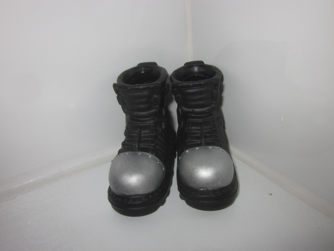 What boots or shoes are your favorite to use when your kitbashing a figure together?  IMG_4796