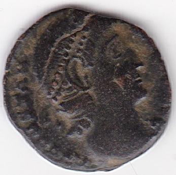 AE4 de Constancio II. VOT / XX / MVLT / XXX dentro de corona. IR248_A