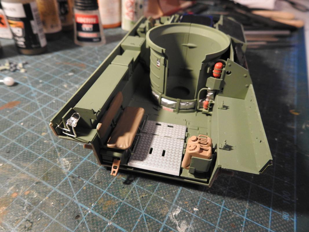 M3A3 Bradley TUSK III- Meng 1/35 - Sida 2 DSCN6077