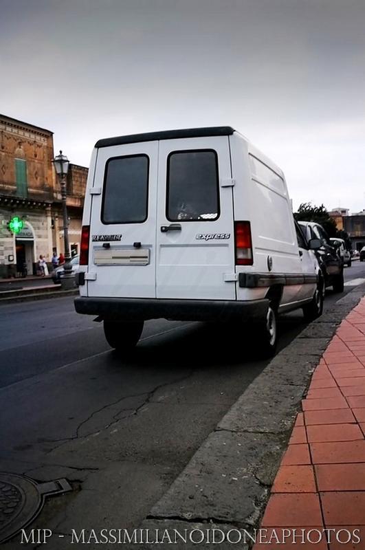 Veicoli commerciali e mezzi pesanti d'epoca o rari circolanti Renault_Express_D_1.6_54cv_91_PI569910_175.420_-_30-12-2015