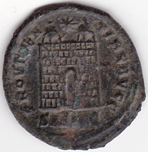 AE3 de Constantino I - PROVIDENTIAE AVGG - Puerta de Campamento - Antioquia. IR117_B