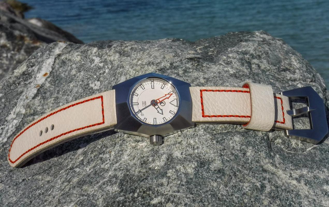 Votre montre du jour - Page 6 DSCF2345_1600x1200