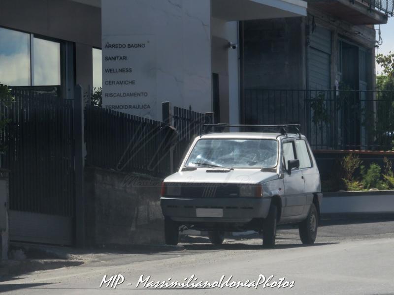 avvistamenti auto storiche - Pagina 21 Fiat_Panda_4x4_1.0_48cv_85_AJ223_SL