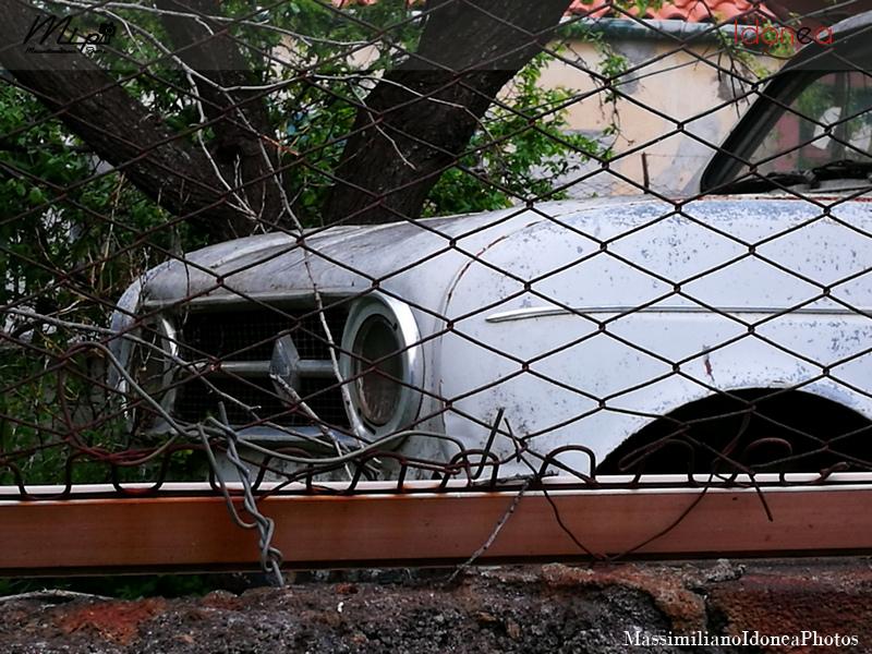 Auto Abbandonate - Pagina 2 Renault_4_2