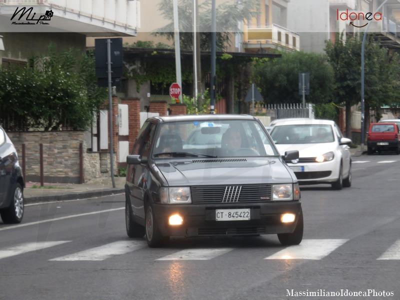 avvistamenti auto storiche - Pagina 2 Fiat_Uno_Turbo_Antiskid_i.e._1.3_105cv_88_CT845422