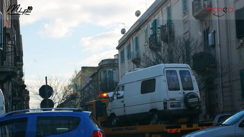 Veicoli commerciali e mezzi pesanti d'epoca o rari circolanti - Pagina 4 Renault_Trafic_Diesel_2.1_60cv_83_ME359785_4