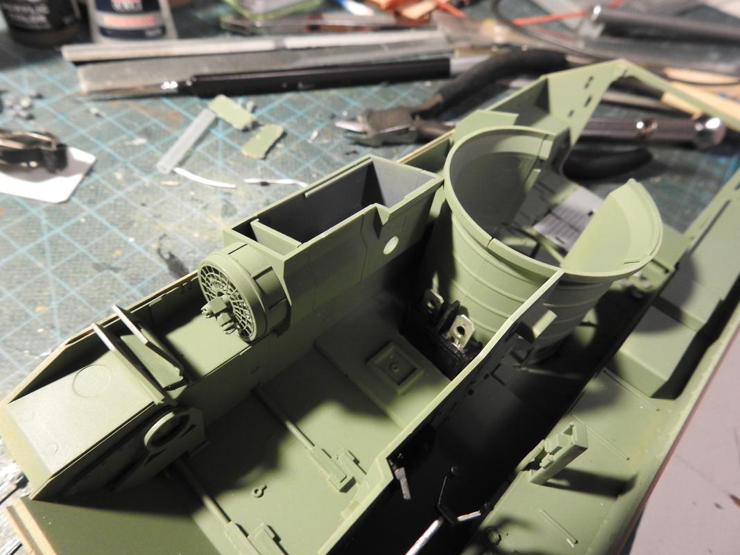 M3A3 Bradley TUSK III- Meng 1/35 - Sida 2 DSCN6060