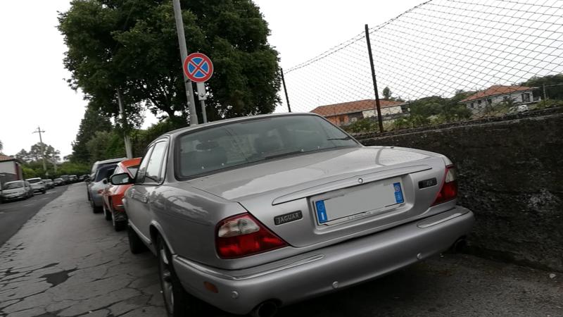Avvistamenti auto rare non ancora d'epoca - Pagina 37 Jaguar_XJR_3.2_363cv_01_BR392_ZA_148.897_-_29-0