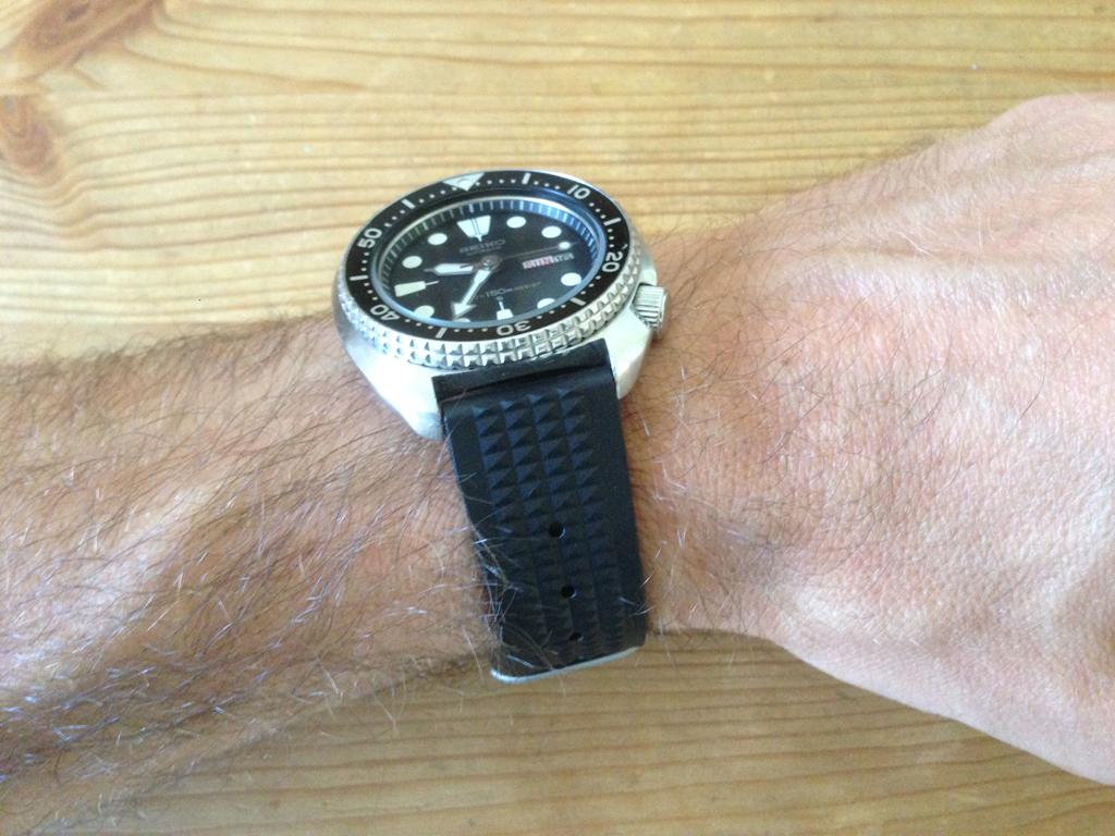 Uncle Seiko Waffle Strap — Para os divers Seiko IMG_7640