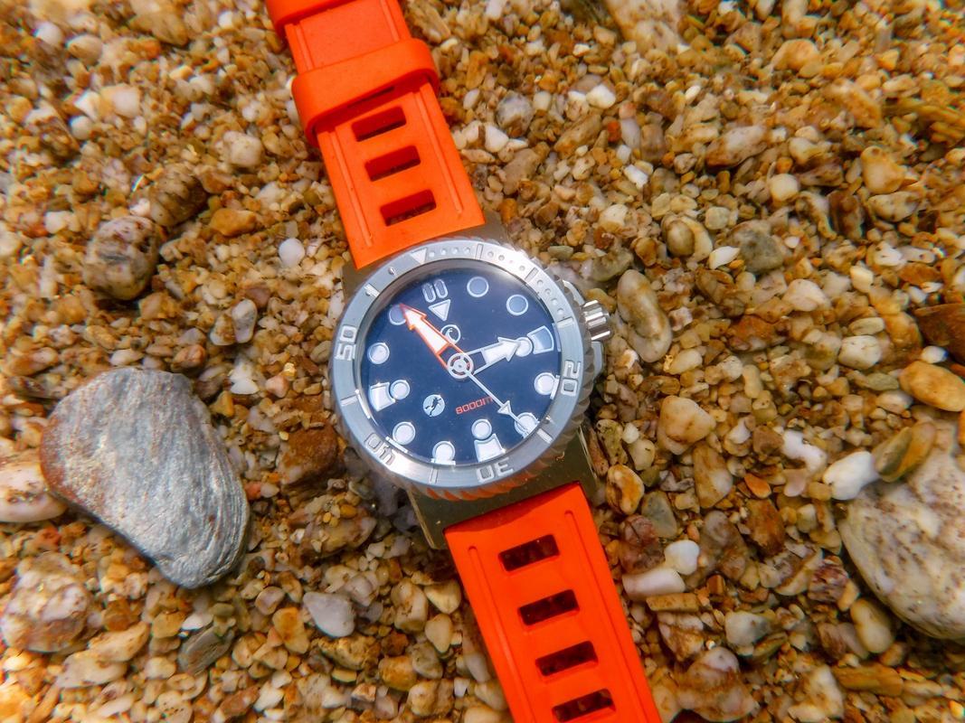 Votre montre du jour - Page 23 DSCF2619_1_1600x1200