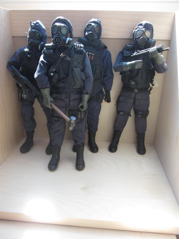 My 1/6 scale 4 man Swat Team IMG_4159