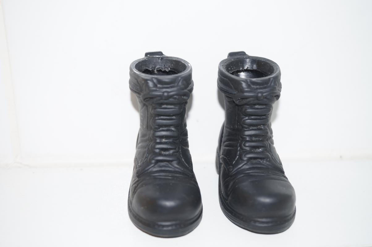 What boots or shoes are your favorite to use when your kitbashing a figure together?  57_B558_BA-158_F-4_D8_C-_A191-516_D18687_BB9