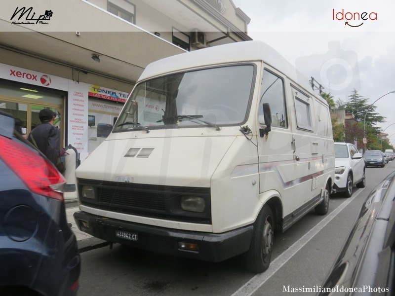 Veicoli commerciali e mezzi pesanti d'epoca o rari circolanti - Pagina 2 Fiat_242_Camper_Diesel_2.2_71cv_77_CT424942_1