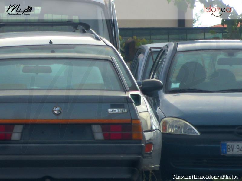 Auto Abbandonate - Pagina 38 Alfa_Romeo_75_1_2