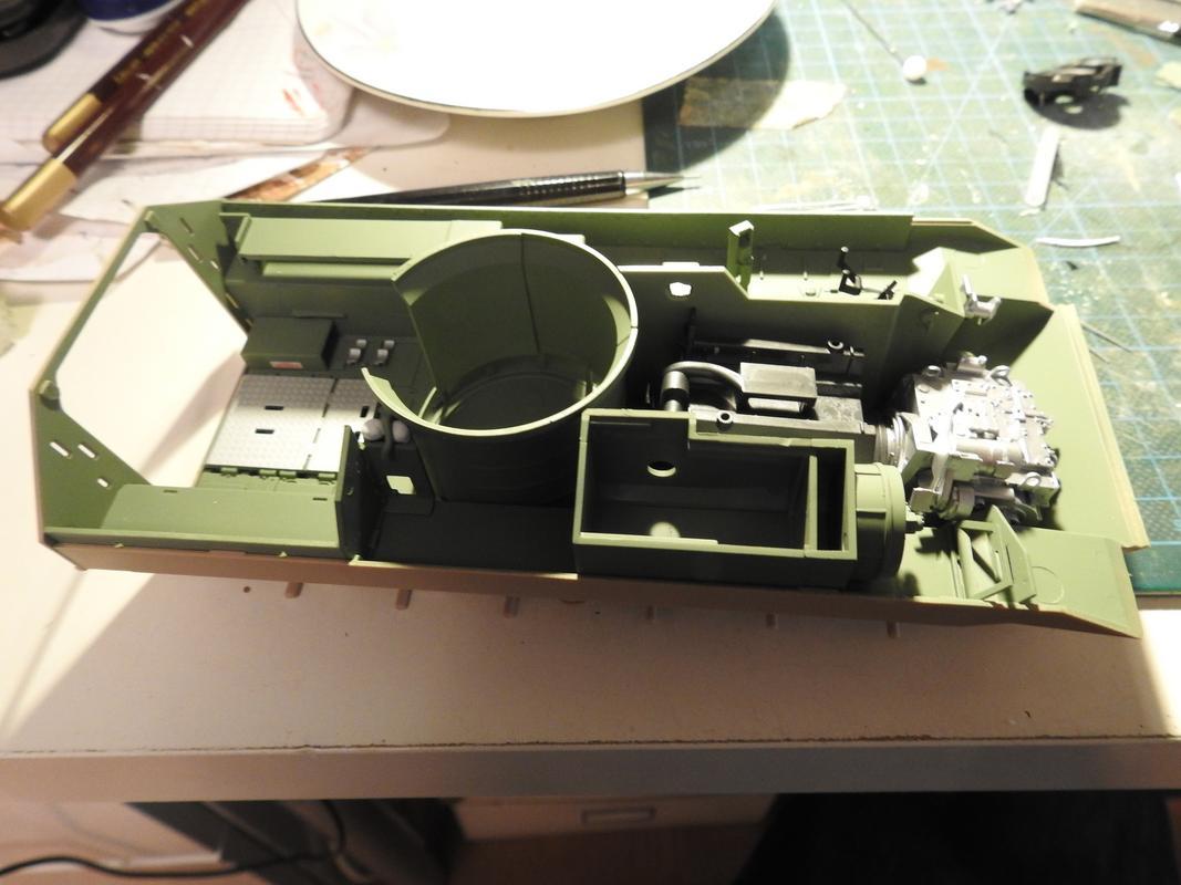 M3A3 Bradley TUSK III- Meng 1/35 - Sida 2 DSCN6057