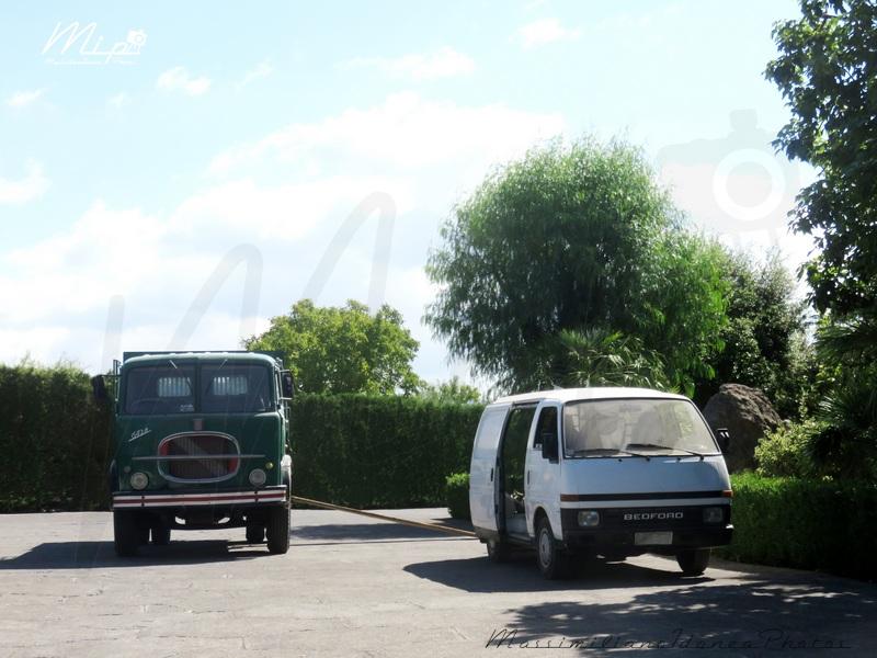 Veicoli commerciali e mezzi pesanti d'epoca o rari circolanti - Pagina 2 Fiat_643_N_e_Bedford_Midi_Diesel_2.0_56cv_86_GEA16730