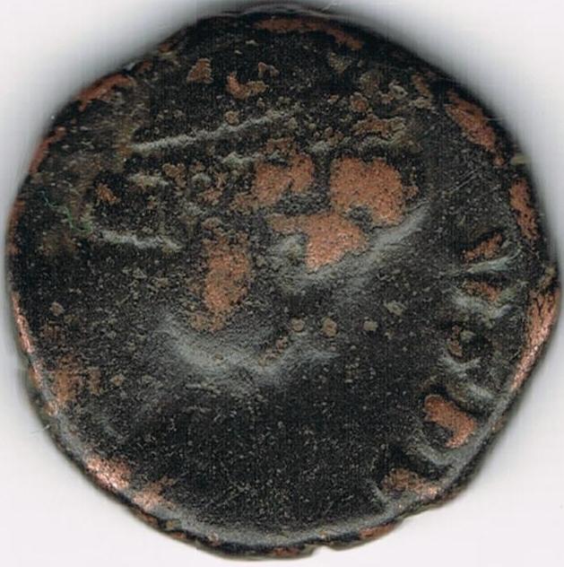 AE3 tipo VIRTVS EXERCITI. Victoria coronando a emperador IR8_A