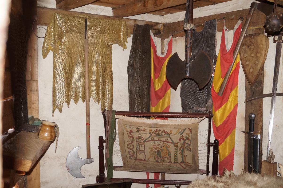My MAM visiting Mountfitchet Castle. 5735_B4_A2-1_D69-4385-8_A36-5_F36_F6_E12456