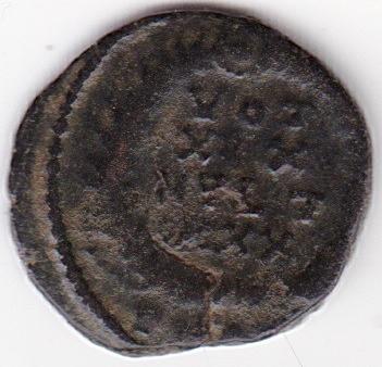 AE4 de Constancio II. VOT / XX / MVLT / XXX dentro de corona. IR248_B