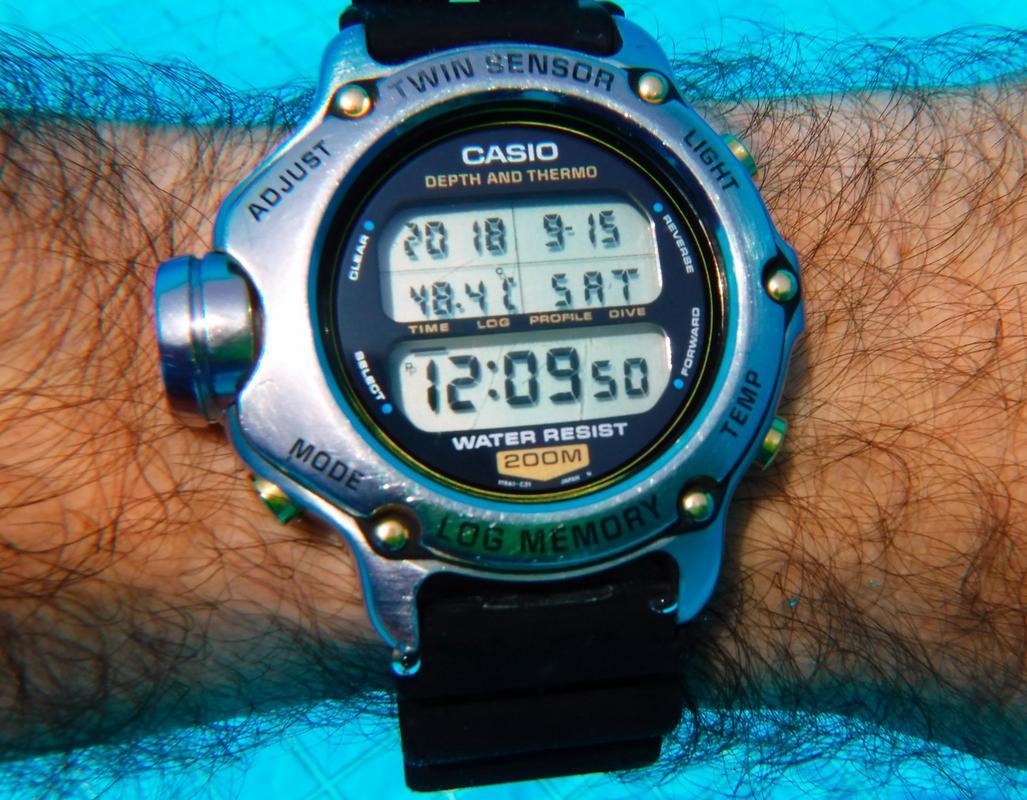 Votre montre du jour - Page 24 DSCF2731_2_1600x1200