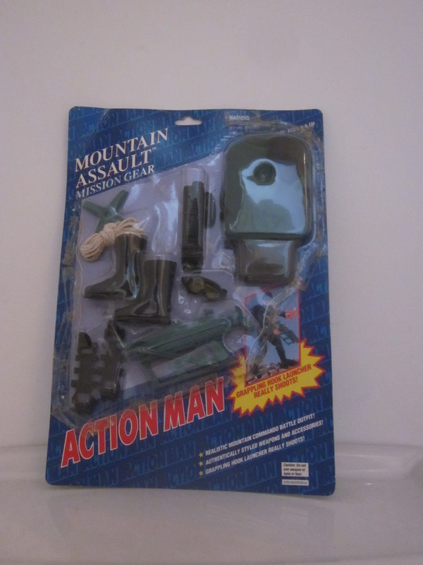Action Man Mountain Assault Mission Gear carded Set. IMG_4691