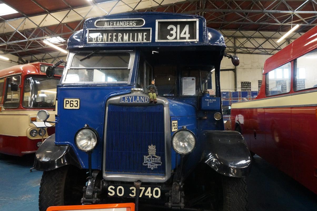 MAM visiting The Scottish Vintage Bus Museum. A4_B6_B9_C4-_EF5_D-4_A97-_AD13-98_E11_ADB1_D91