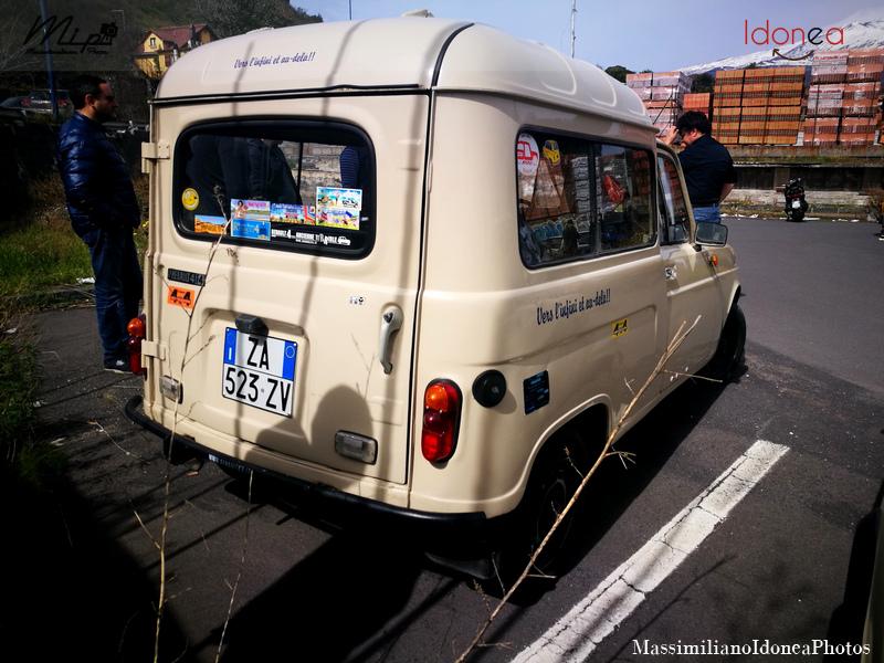 Parking Vintage Renault_4_F4_Sinpar_850_34cv_80_ZA523_ZV_3
