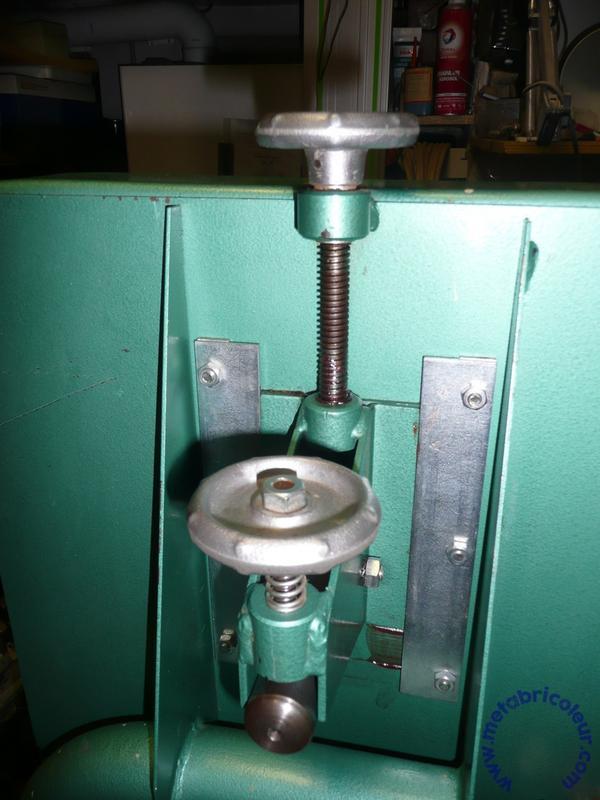 Scie à ruban Kity 612 (petite restauration, j'espère) P1030406_mb