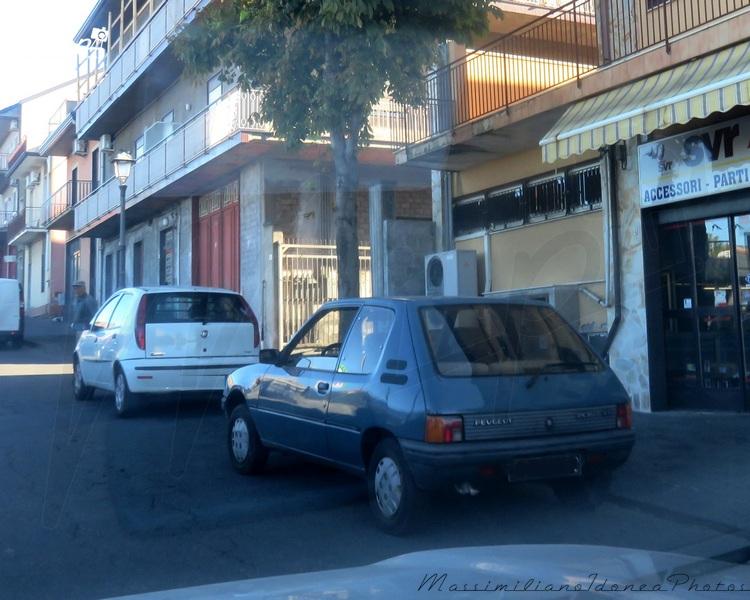 avvistamenti auto storiche - Pagina 40 Peugeot_205_XR_1.1_52cv_84_CT669203