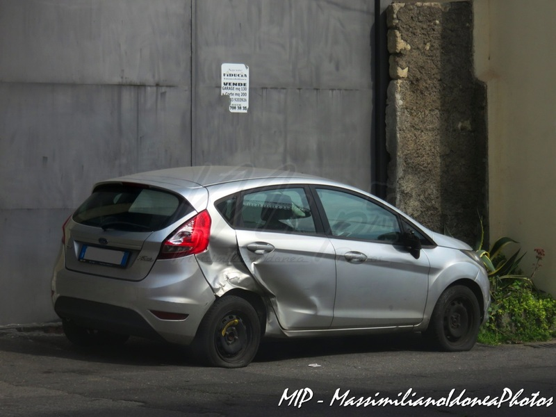 Auto Abbandonate - Pagina 3 Ford_Fiesta_TDCi_1.4_68cv_09_DT730_LK