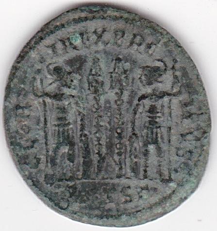 AE3 de Constancio II. GLOR-IA EXERC-ITVS. Dos estandartes entre dos soldados. Tesalónica. IR227_B